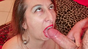 SCAMBISTI MATURI - Italian mature brunette gets rough anal sex