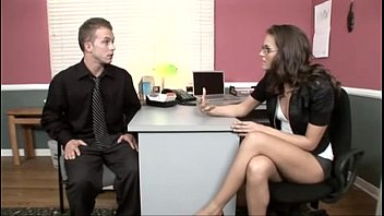 HARÉ TODO LO QUE ME PIDA, JEFA. (Tori Black fucked in the office)     PERFECT GIRLS