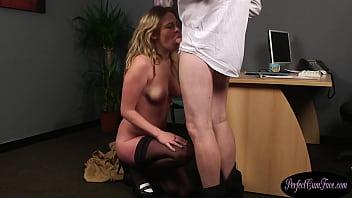 Streaming Video British bj slut reveals her naked body - XLXX.video