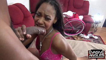 EVASIVE ANGLES Adorable Black Babe Lexi A'mor Takes  Two Big Dicks in Her Mouth and Pussy porno izle