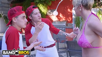Bangbros - Baseball Practice Turns Into Wild Threesome With Milf Dee Williams, Juan El Caballo Loco And Connor