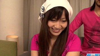 Ryo Asaka gargalha e fode como uma deusa