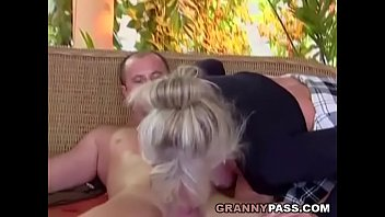 Busty Granny Takes Young Dick Vorschaubild