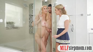 Wet and wild blonde sex Alexis fawx and khloe kapri threeway sex in shower room