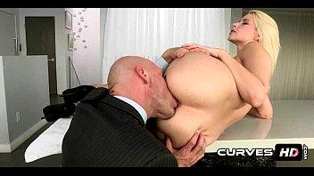 Perfect Round Booty Blonde Anikka Albrite 1 11