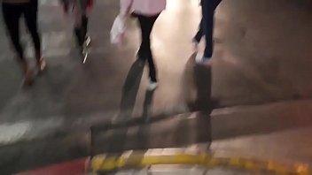 chico afortunado recogió a una rubia alemana caliente en la calle y la folla en un apretado coño