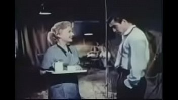 Первая брачная ночь молодых смотреть секс