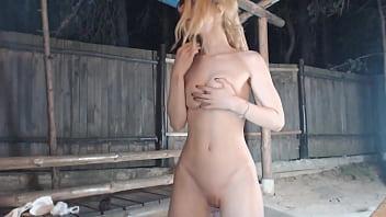 Cam girl got caught on live porn by stalker