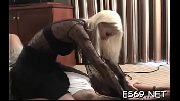 Delicious lady enjoys extreme sex