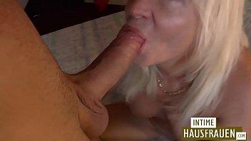 Blonde Milf gets fucked صورة