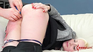 Office lady taught a brutal anal lesson Vorschaubild