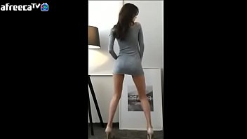 Korean dancing sensuously