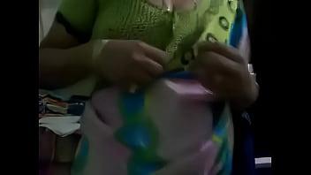 manchi telugu..aunty