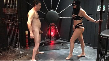 Femdom supremacy lifestyle - Ballbusting: mistress arabella destroys the testicles of andrea diprè