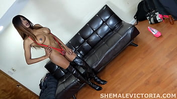shemale escort sticks dildo london germany