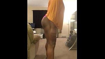 "Bubble Butt Tgirl Twerks in Hijab <span class=""duration"">4 min</span>"