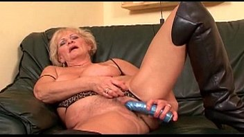 Ghetto granny pussy Long white dick roughly fucks her pink pussy 14