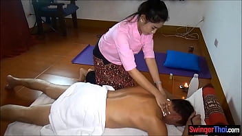 Thai Amateur Massage For Hung Tourist With A Happy End
