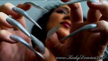 long sharp fingernails in holographic silver, fingernails flicking