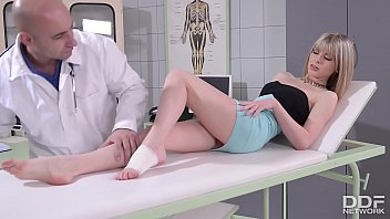 Xxx doctor patient - Doc fucks patient bianka brills sexy feet after banging her tight pussy