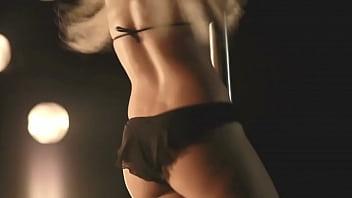 Shakira striptease