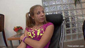 Teen fucks her lesbian threrapist