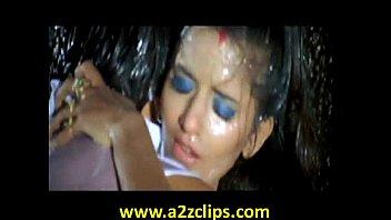 Iyalian girl sex hot