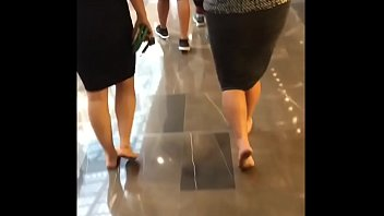 Candid 2 Girls Barefoot at the Mall Part 1- www.prettyfeetvideo.com