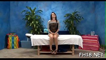 Wacko slut takes penis from her massage therapist