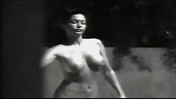 Naked Souls: Sexy Nude Skinnydipping Girl