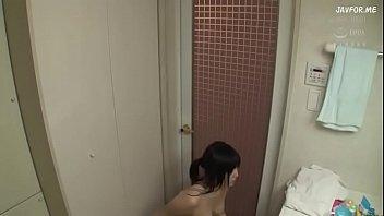 むっちりとしたエッチな身体のお姉さんが弟のチンポにハマってしまう淫乱セックス