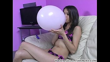 Teen girls popping balloons 600150 xh promo