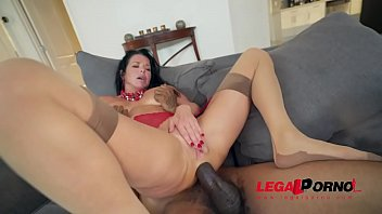 Sexy slut Veronica Avluv loves to get stuffed AB021