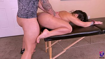 Big ass wife with rounded tits gets fucked during a massage session porno izle