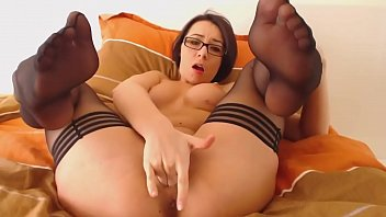 Sexy Short Haired Babe in Stockings on Cam - CamGirlsUntamed.com