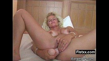 Erotic Fisting Gal Hard Screwed