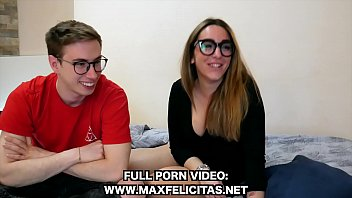 IL PRIMO VIDEO PORNO DI SARA RUBINI ITALIANA CON MAX FELICITAS Vorschaubild