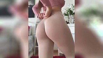 Compilación de chicas en leggins descarga la app: http://swarife.com/6kRS