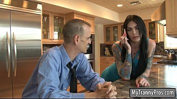 Blck tranny - Gorgeous tranny chelsea marie analyzed