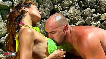 Hot Brazilian Milf Manuella Pimenta Fucking At The Beach