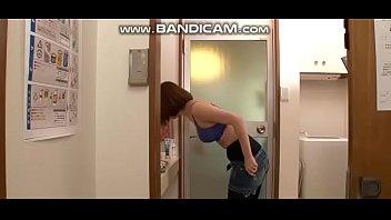 Quay lén em gái đi tắm hàng ngon....