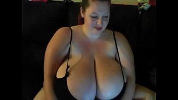 BBW Webcam Showing Off HUGE JUGGS