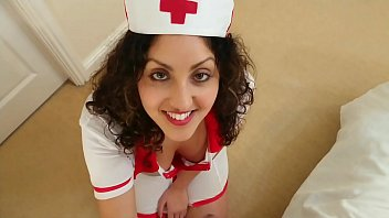 British Nurse collects patient sperm sample but ends up swallowing it deepthroat POV Indian 10分钟