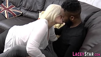 Granny sucking black dong gets pussy pounded