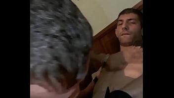 Pibes gay Mamando a pendejo vergudo