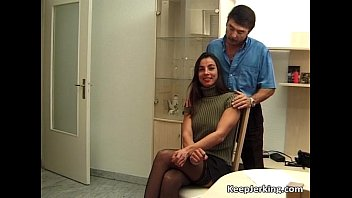 Dong penis Brunette bitch blows big dong who them