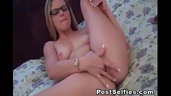 Beautiful Teen Babe Masturbate On Cam