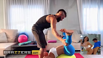 (Alexis Fawx) Spreads Her Legs For (Xander Corvus) And Instructs Him To Feed Her His Dick - Brazzers