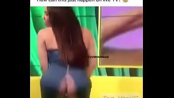 Celebrity oops nude Celebrity oops momemt