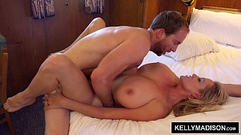 Siliconata Kelly Madison Penetrata In Camera De Hotel